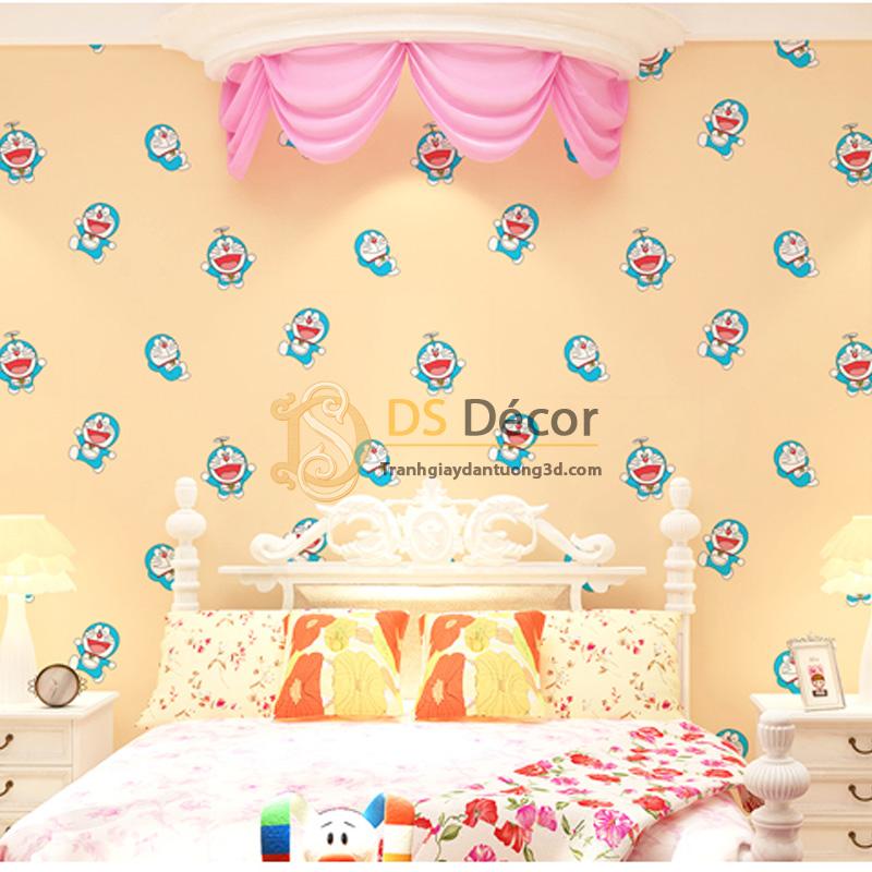 Sử dụng giấy dán tường họa tiết Doremon cho phòng của bé.