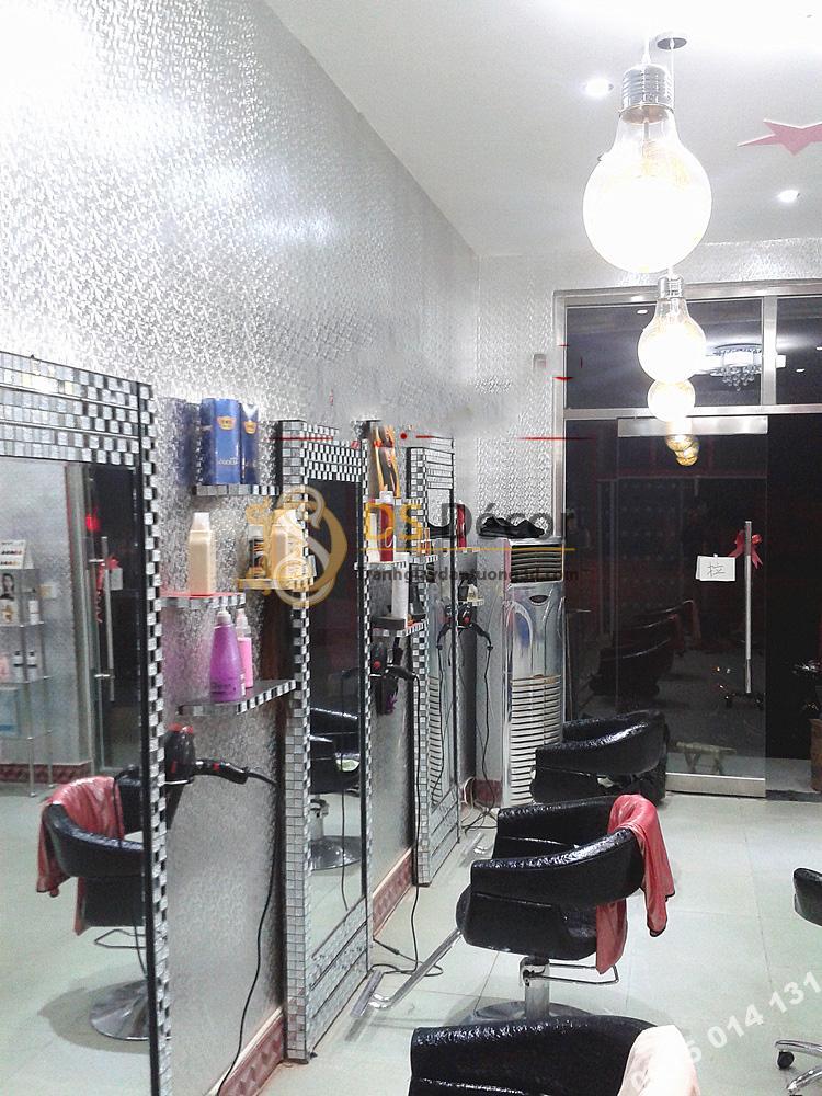 Giấy dán tường khảm vàng bạc màu trắng óng ánh 3D182 trang trí tiệm tóc