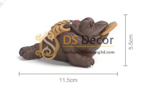 Kích thước Cóc 3 chân ngậm tiền màu đen DTT10