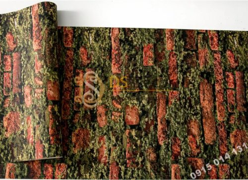 Bề mặt giấy dán tường 3D gạch đỏ mọc rêu 3D210 màu nhạt